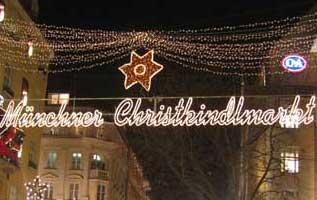 Fra magia e leggenda con la sfilata dei Krampus, gastronomia e artigianato tradizionale bavarese, addobbi natalizi e fiera del presepe.