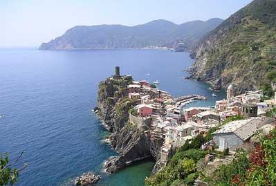 A piedi tra le romantiche Cinque Terre